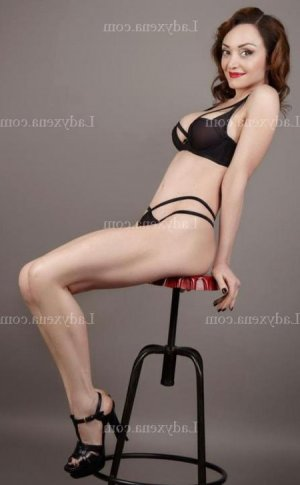 Binti massage ladyxena escort girl à Vichy