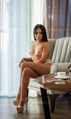 Ebtisseme lovesita trans massage