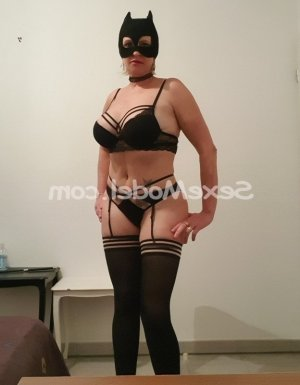 Iuna escort lovesita dans le Lot